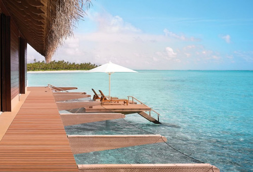 Maldives luxury hotel tropical beach