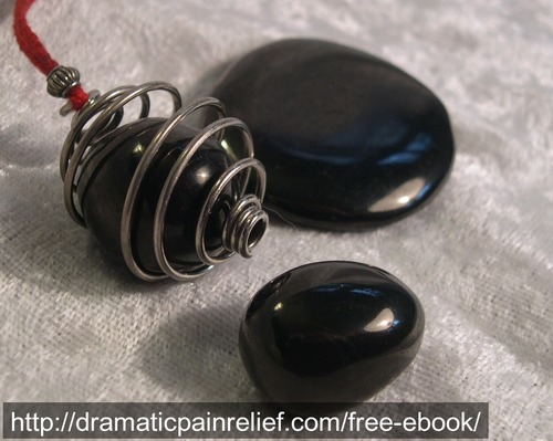 jet blackstone blackamber crystalhealing alternativemedicine stones crystaltherapy witchcraft wicca pagan occult magic magick earthmagic holistic newage healing
