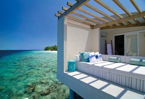 Maldives luxury hotel tropical beach