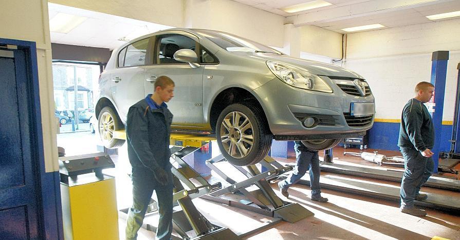 Mechanic Repair AutomobileMechanic