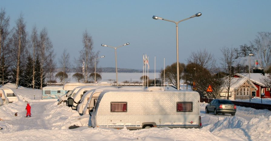 Trailer Camping Winter KnowHow