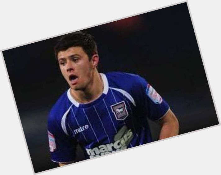 Aaron Cresswell light brown hair & hairstyles Athletic body,