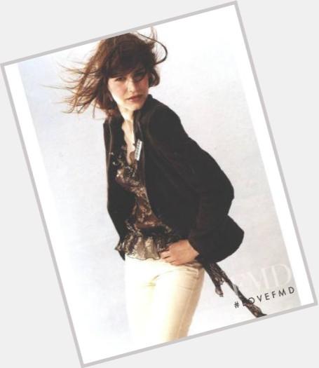 "<a href=""/hot-women/abigail-matray/where-dating-news-photos"">Abigail Matray</a> Slim body,  dark brown hair & hairstyles"