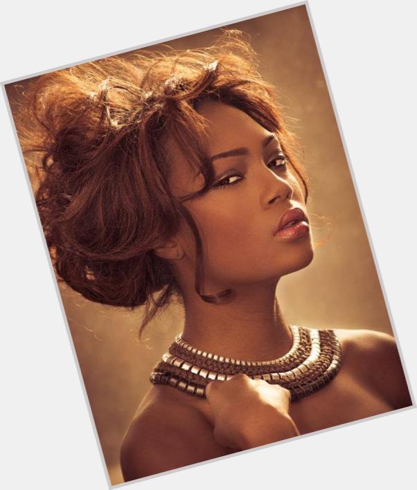 "<a href=""/hot-women/afiya-bennett/where-dating-news-photos"">Afiya Bennett</a> Slim body,  dark brown hair & hairstyles"