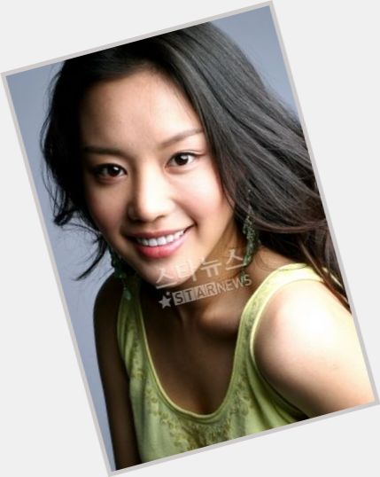 "<a href=""/hot-women/ah-jung-kim/where-dating-news-photos"">Ah Jung Kim</a> Slim body,"
