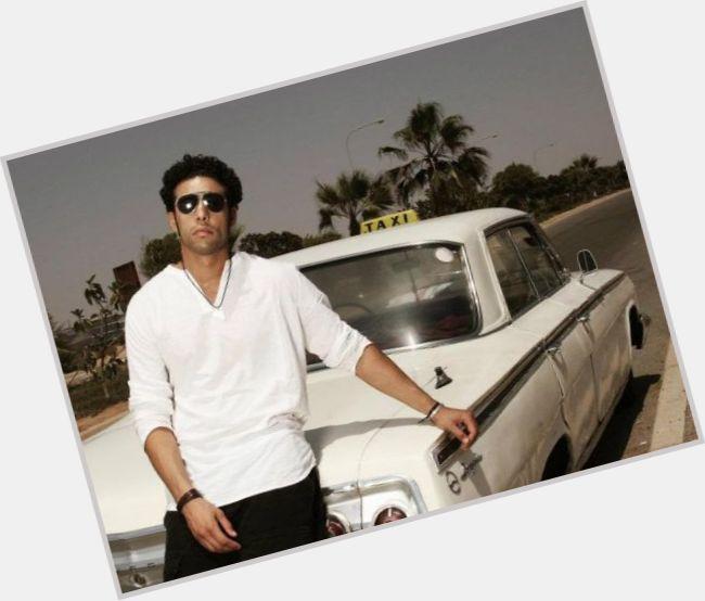"<a href=""/hot-men/ahmed-soultan/where-dating-news-photos"">Ahmed Soultan</a> Average body,  dark brown hair & hairstyles"