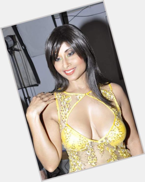 "<a href=""/hot-women/aiysha-saagar/where-dating-news-photos"">Aiysha Saagar</a> Athletic body,  black hair & hairstyles"