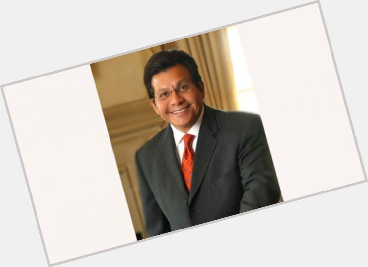 """<a href=""""/hot-men/alberto-gonzales/where-dating-news-photos"""">Alberto Gonzales</a> Average body,  black hair & hairstyles"""