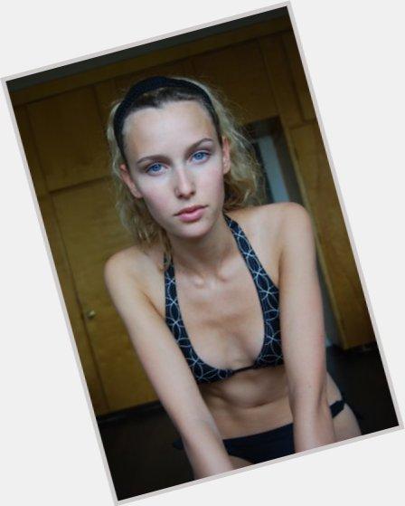 "<a href=""/hot-women/aleisia-arkley/where-dating-news-photos"">Aleisia Arkley</a> Slim body,  light brown hair & hairstyles"