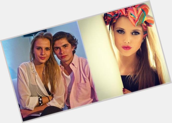 "<a href=""/hot-men/alejandro-pena/where-dating-news-photos"">Alejandro Pena</a>"
