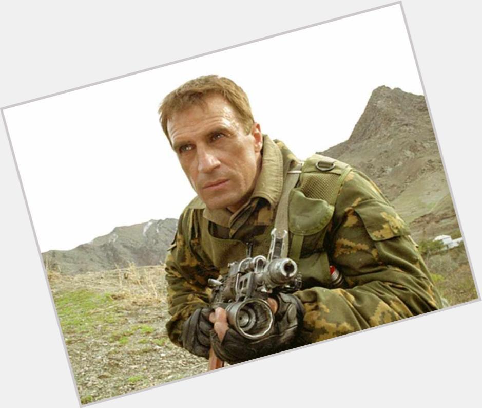 Aleksandr Dedyushko full body 5.jpg