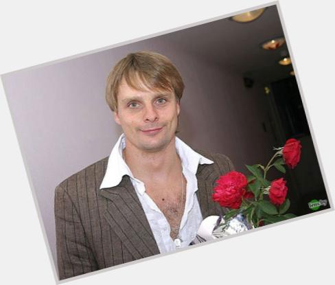 "<a href=""/hot-men/aleksandr-nosik/where-dating-news-photos"">Aleksandr Nosik</a> Average body,  light brown hair & hairstyles"