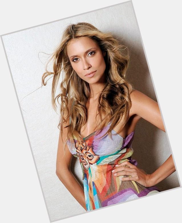 Aleksandra Melnichenko hairstyle 7.jpg