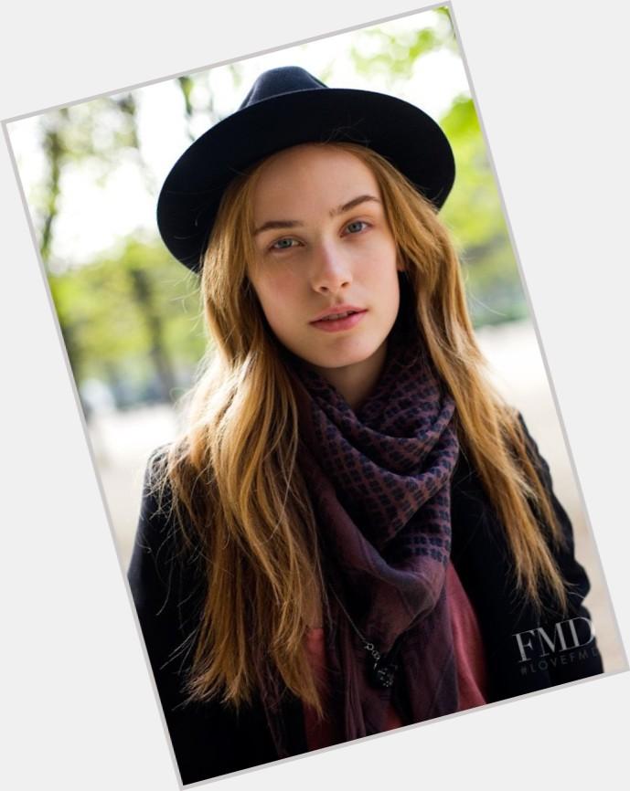 Aleksandra Orbeck Nilsen hairstyle 3.jpg
