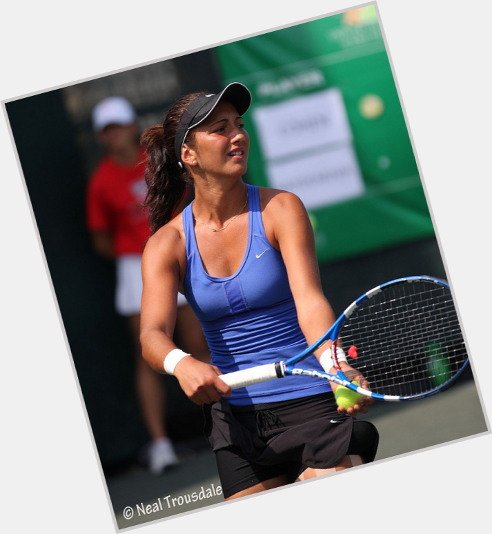 Aleksandrina Naydenova body 3.jpg