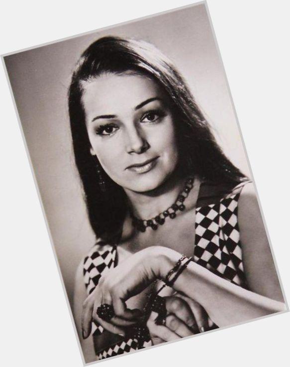 "<a href=""/hot-women/alevtina-yevdokimova/where-dating-news-photos"">Alevtina Yevdokimova</a> Average body,  dark brown hair & hairstyles"