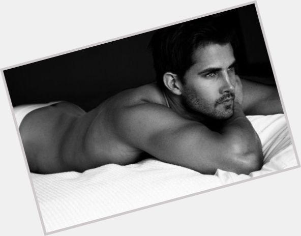 "<a href=""/hot-men/alex-avery/where-dating-news-photos"">Alex Avery</a>"