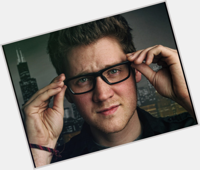 "<a href=""/hot-men/alex-goot/where-dating-news-photos"">Alex Goot</a> Average body,  light brown hair & hairstyles"