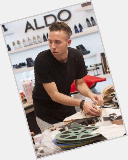 Alexander Knox hairstyle 5.jpg