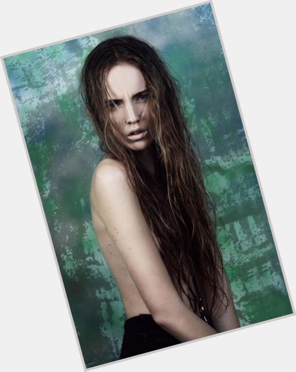 "<a href=""/hot-women/alexandra-carl/where-dating-news-photos"">Alexandra Carl</a> Slim body,  light brown hair & hairstyles"