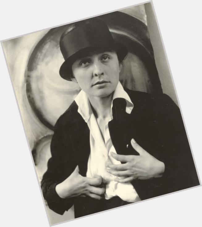 Alfred Stieglitz full body 7.jpg