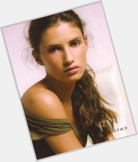 """<a href=""""/hot-women/alice-contreiras/where-dating-news-photos"""">Alice Contreiras</a> Slim body,  light brown hair & hairstyles"""