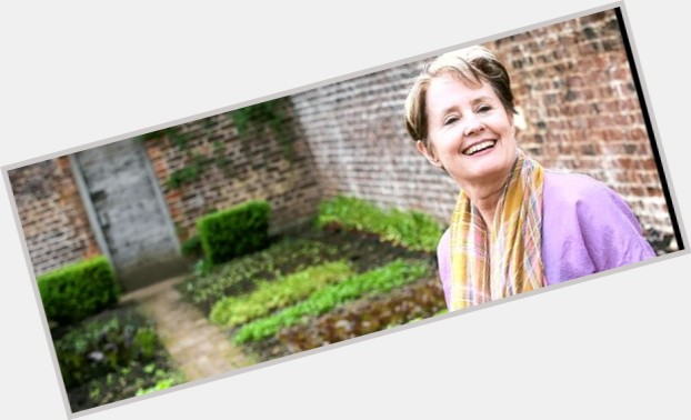"""<a href=""""/hot-women/alice-waters/where-dating-news-photos"""">Alice Waters</a>"""