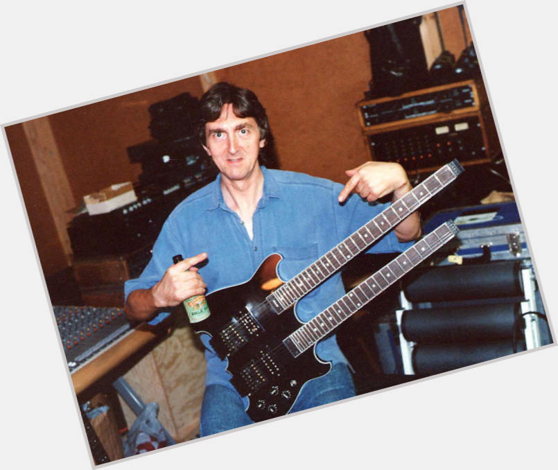"<a href=""/hot-men/allan-holdsworth/where-dating-news-photos"">Allan Holdsworth</a> Athletic body,  dark brown hair & hairstyles"