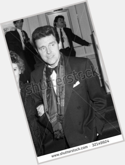 "<a href=""/hot-men/alvin-stardust/is-he-still-alive-stardusts-son-much-worth"">Alvin Stardust</a> Average body,  dark brown hair & hairstyles"
