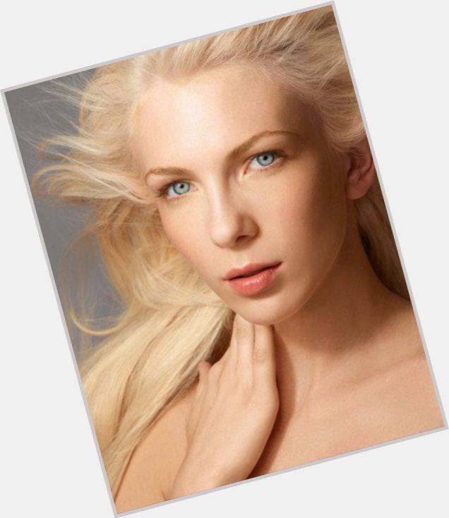 """<a href=""""/hot-women/amanda-swafford/where-dating-news-photos"""">Amanda Swafford</a> Slim body,  dyed blonde hair & hairstyles"""