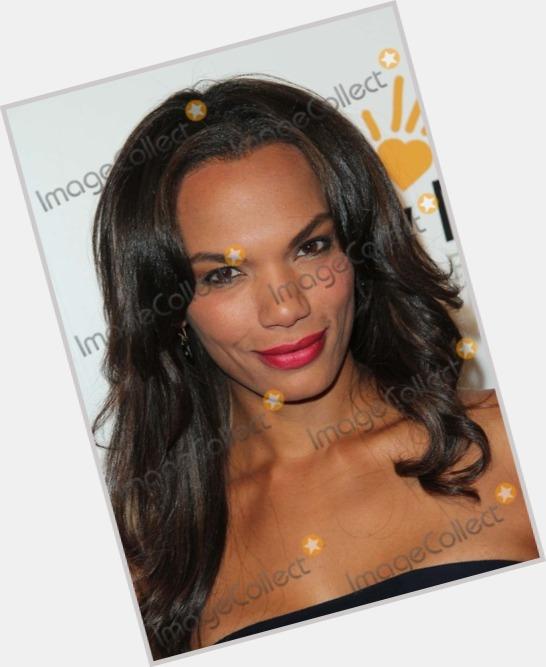 "<a href=""/hot-women/amber-dixon-brenner/where-dating-news-photos"">Amber Dixon Brenner</a> Slim body,  dark brown hair & hairstyles"