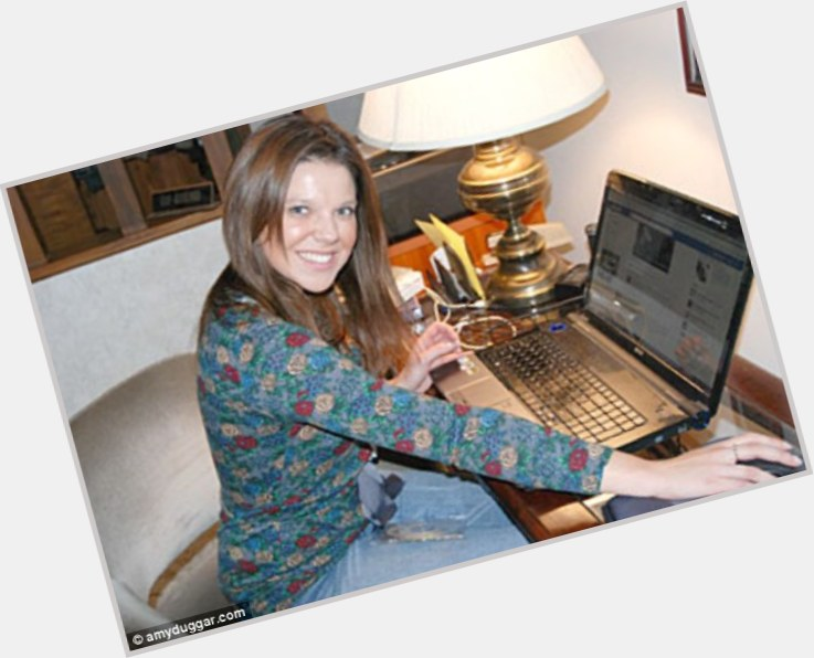 "<a href=""/hot-women/amy-duggar/where-dating-news-photos"">Amy Duggar</a> Slim body,  dark brown hair & hairstyles"