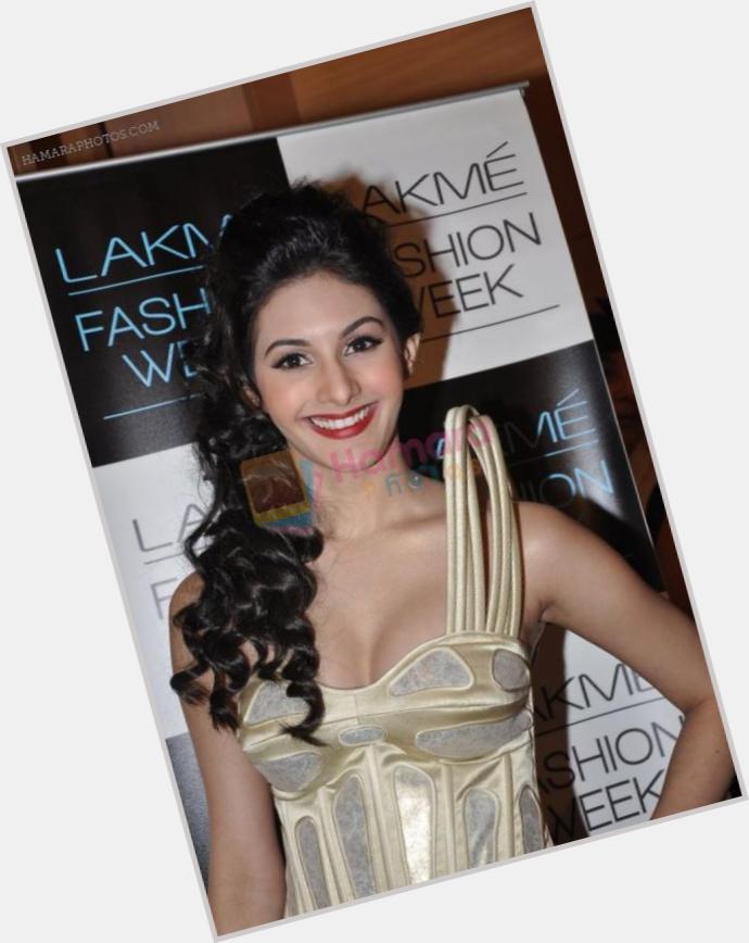 Amyra Dastur birthday 2015