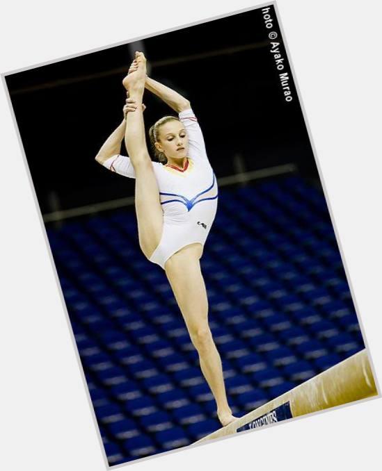 ボード「WAG Gimnasia」のピン  |Ana Porgras