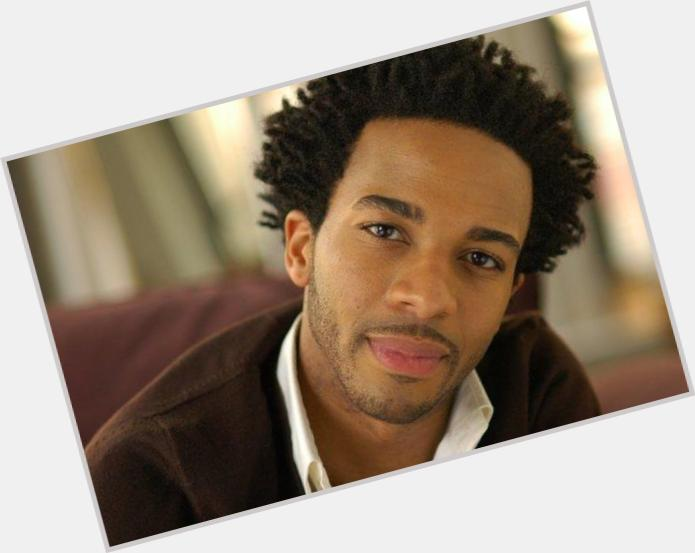 "<a href=""/hot-men/andre-holland/where-dating-news-photos"">Andre Holland</a> Slim body,  dark brown hair & hairstyles"