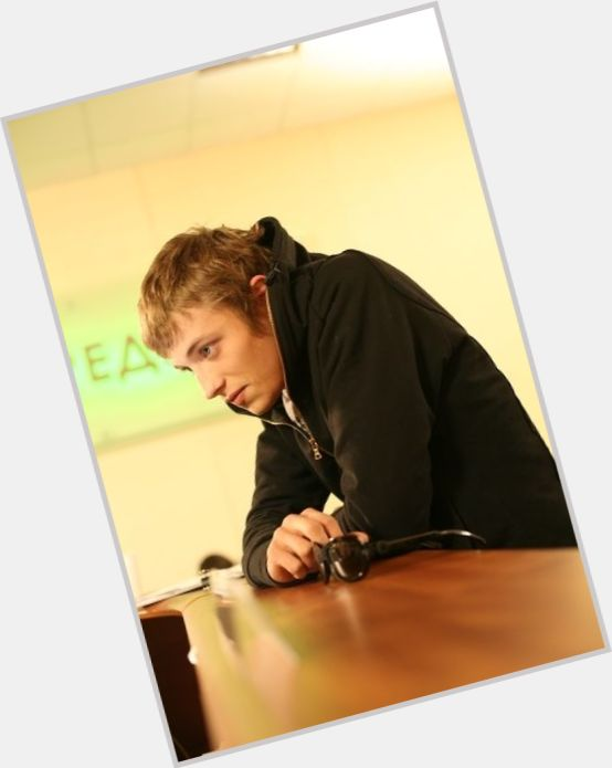 "<a href=""/hot-men/andrei-shchipanov/where-dating-news-photos"">Andrei Shchipanov</a> Average body,  light brown hair & hairstyles"