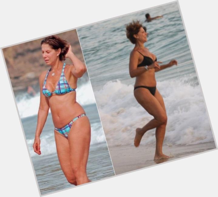 Angela Vieira sexy 0.jpg