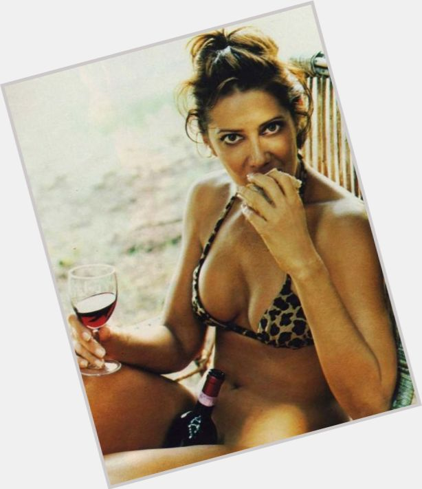 Angela Vieira sexy 5.jpg