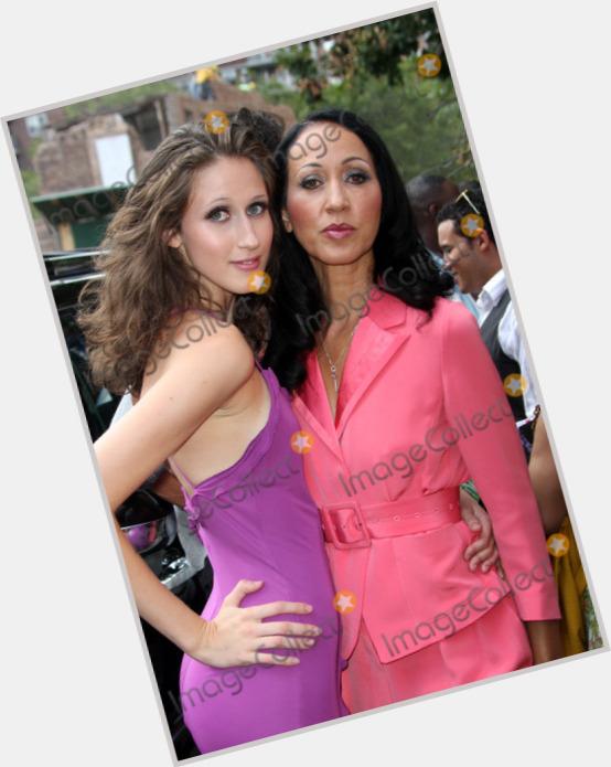 "<a href=""/hot-women/anna-cleveland/where-dating-news-photos"">Anna Cleveland</a> Slim body,  light brown hair & hairstyles"
