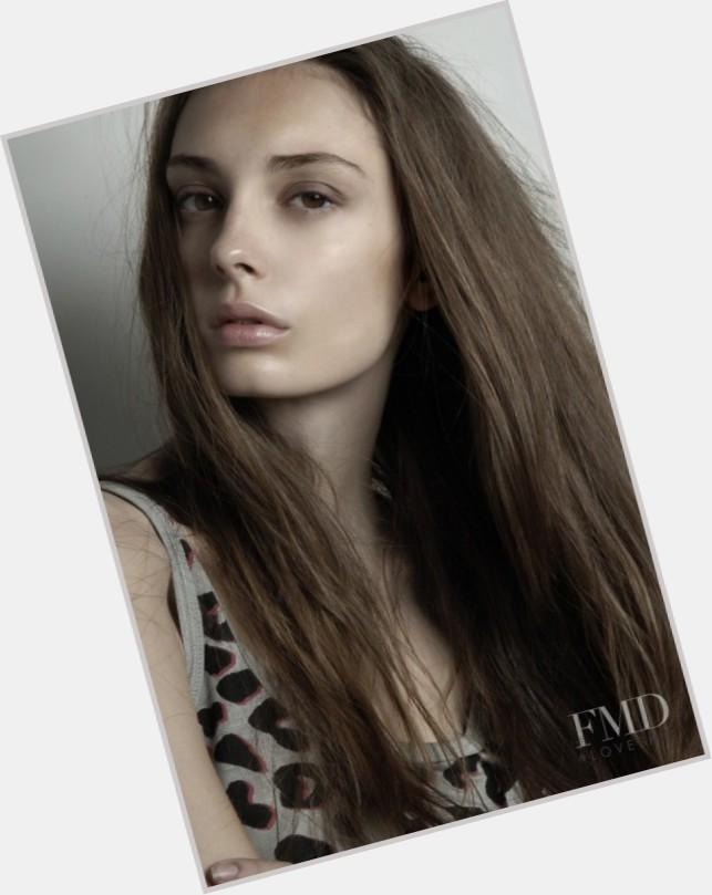 "<a href=""/hot-women/annabelle-maitland/where-dating-news-photos"">Annabelle Maitland</a> Slim body,  light brown hair & hairstyles"