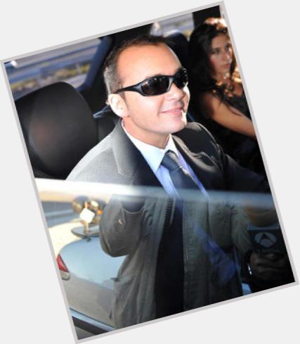 "<a href=""/hot-men/antonio-morales/where-dating-news-photos"">Antonio Morales</a> Slim body,  dark brown hair & hairstyles"