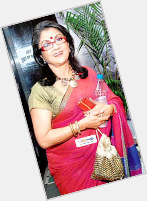 Aparna Sen full body 3