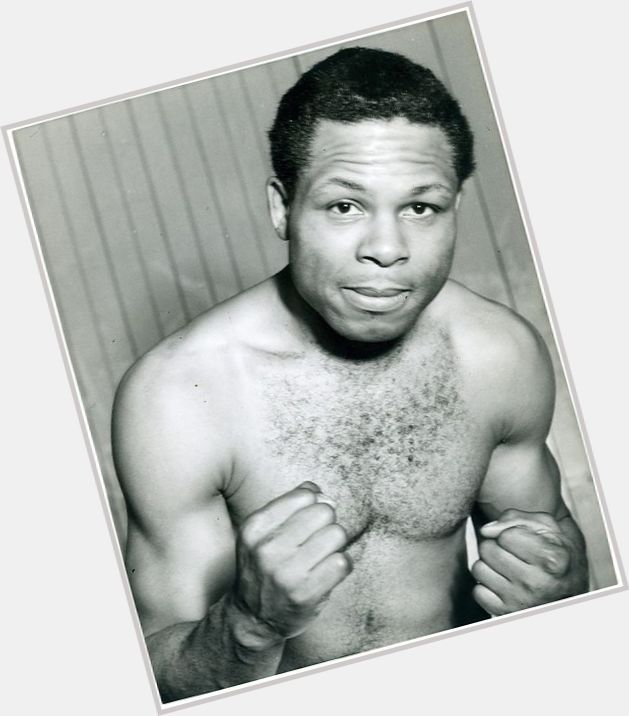 Archie Moore sexy 0.jpg
