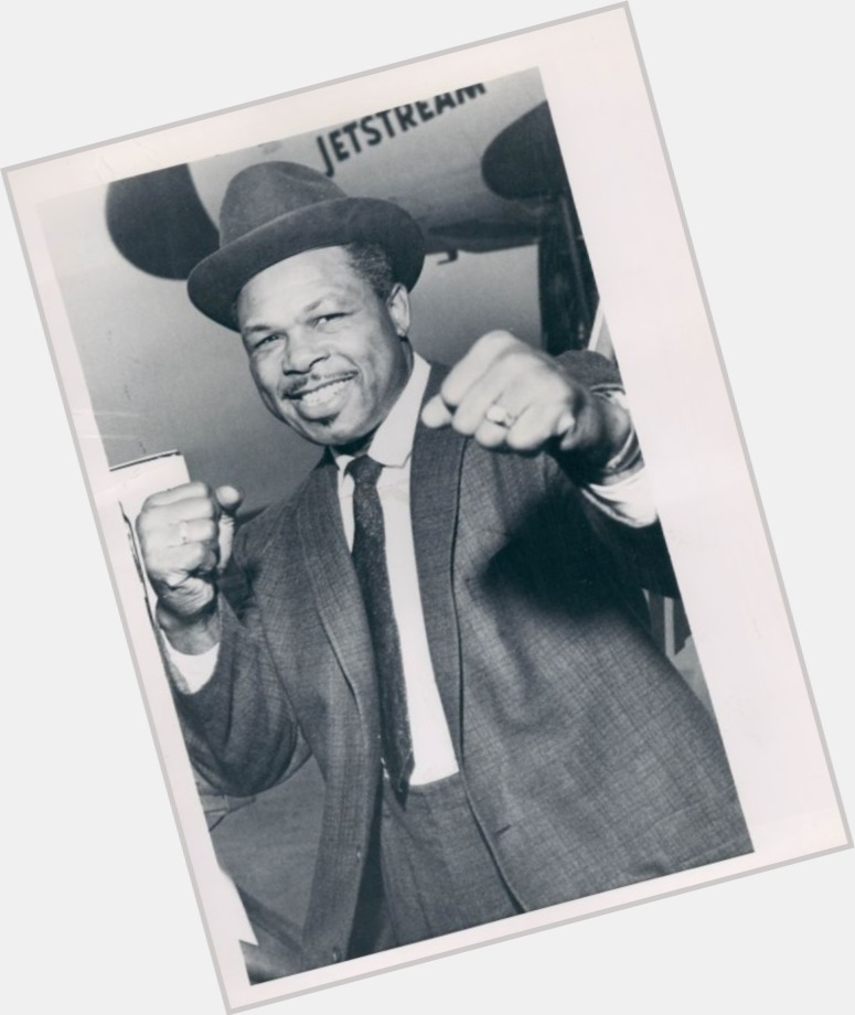 Archie Moore sexy 5.jpg
