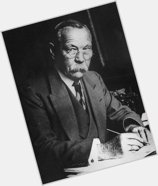 """<a href=""""/hot-men/arthur-conan-doyle/where-dating-news-photos"""">Arthur Conan Doyle</a>"""