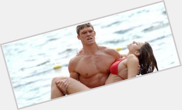 "<a href=""/hot-men/arthur-curry/where-dating-news-photos"">Arthur Curry</a> Athletic body,  blonde hair & hairstyles"