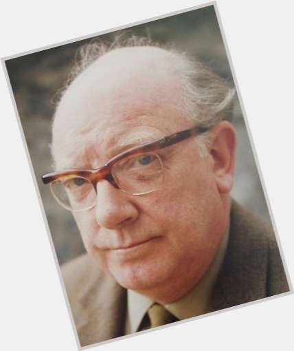 """<a href=""""/hot-men/arthur-lowe/is-he-alive-where-buried-tall-was-ted"""">Arthur Lowe</a>"""