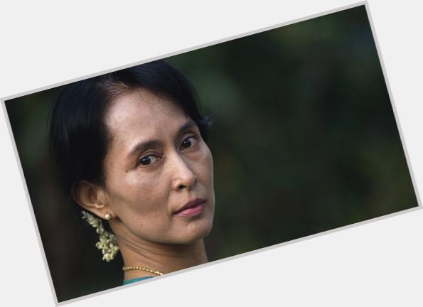 Aung San Suu Kyi body 4