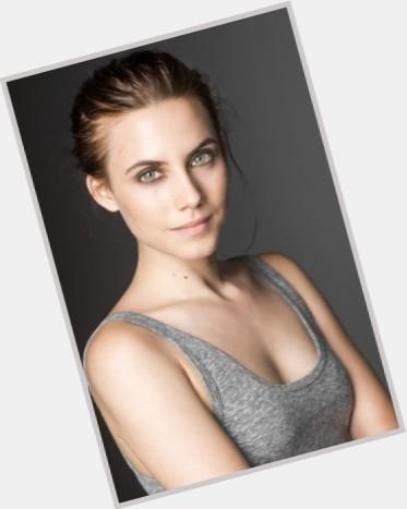Aura Garrido dating 7.jpg