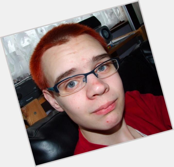 "<a href=""/hot-women/avery-edison/where-dating-news-photos"">Avery Edison</a> Slim body,  dyed black hair & hairstyles"